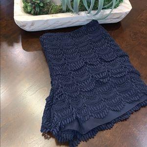 Side zip crochet shorts